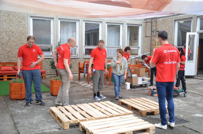 Vodafone és Önkéntes Központ Alapítvány segít