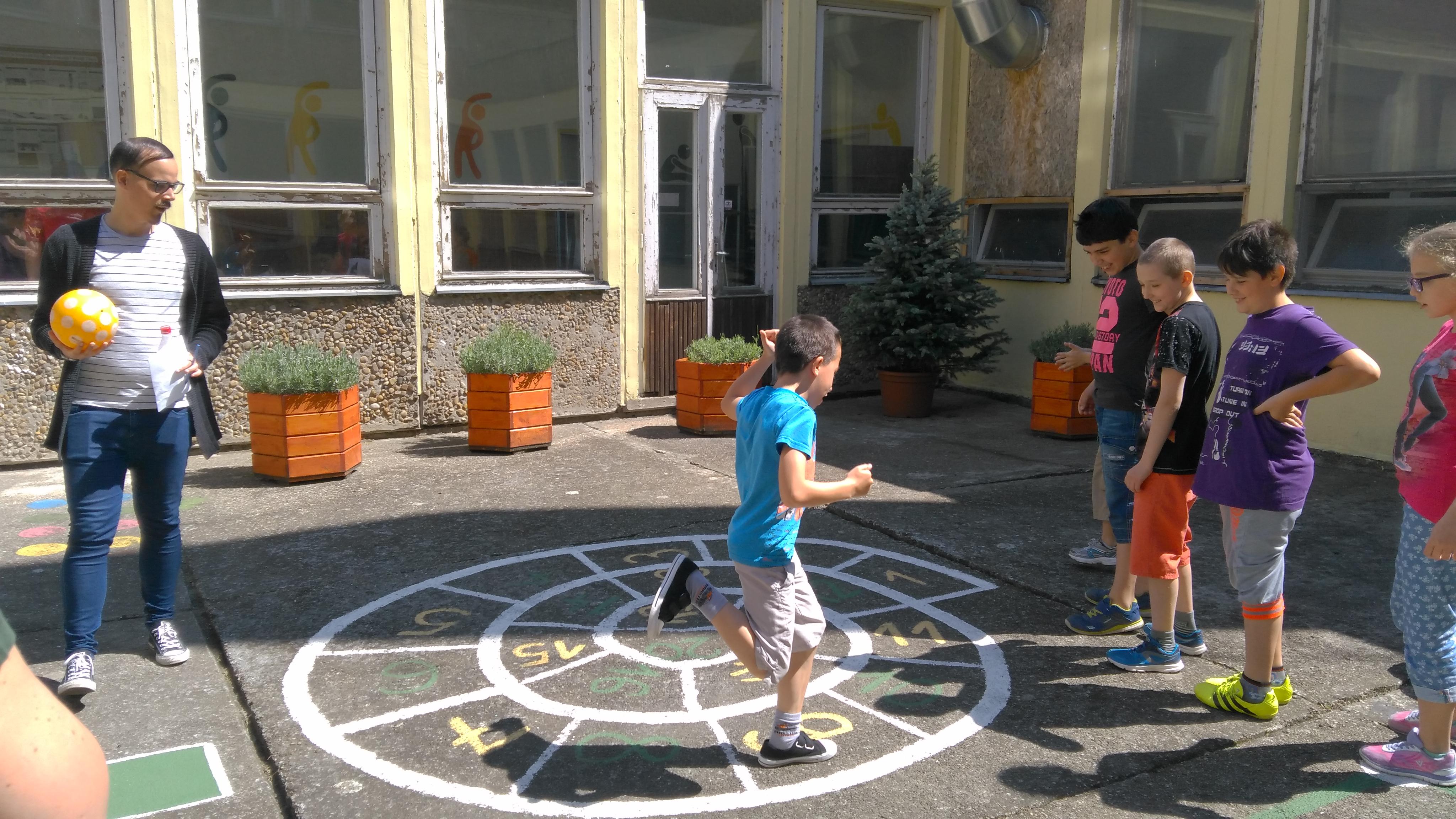 Iskolai gyereknap